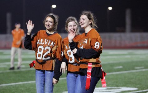 Seniors Dominate At Powderpuff